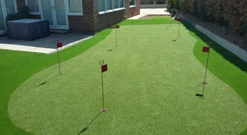 Artificial Putting Green Turf – Comparing Stores for a Good Deal